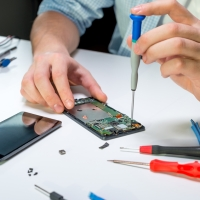 7 Reasons to Join Sourcely's Mobile Repair Unconference